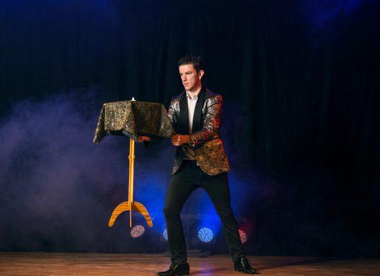La table volante en spectacle